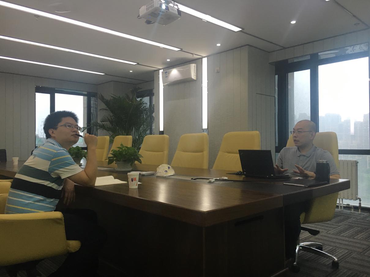 现在飞天经纬董秘闫海涛,梧桐工会研究员王振亚已经到达活动现场.